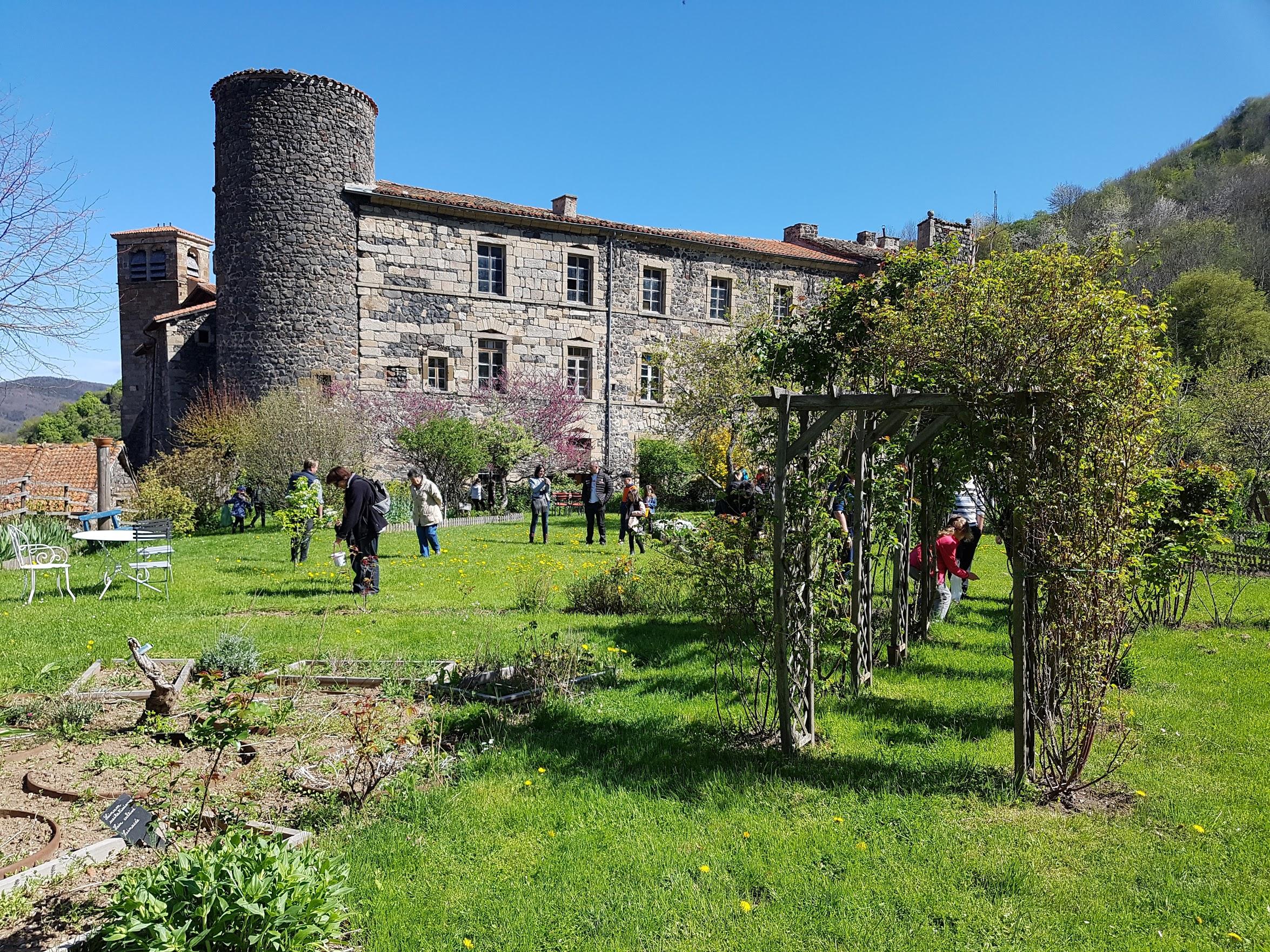Dans le jardin de l 39 abbaye les amis de p brac for Au jardin by les amis
